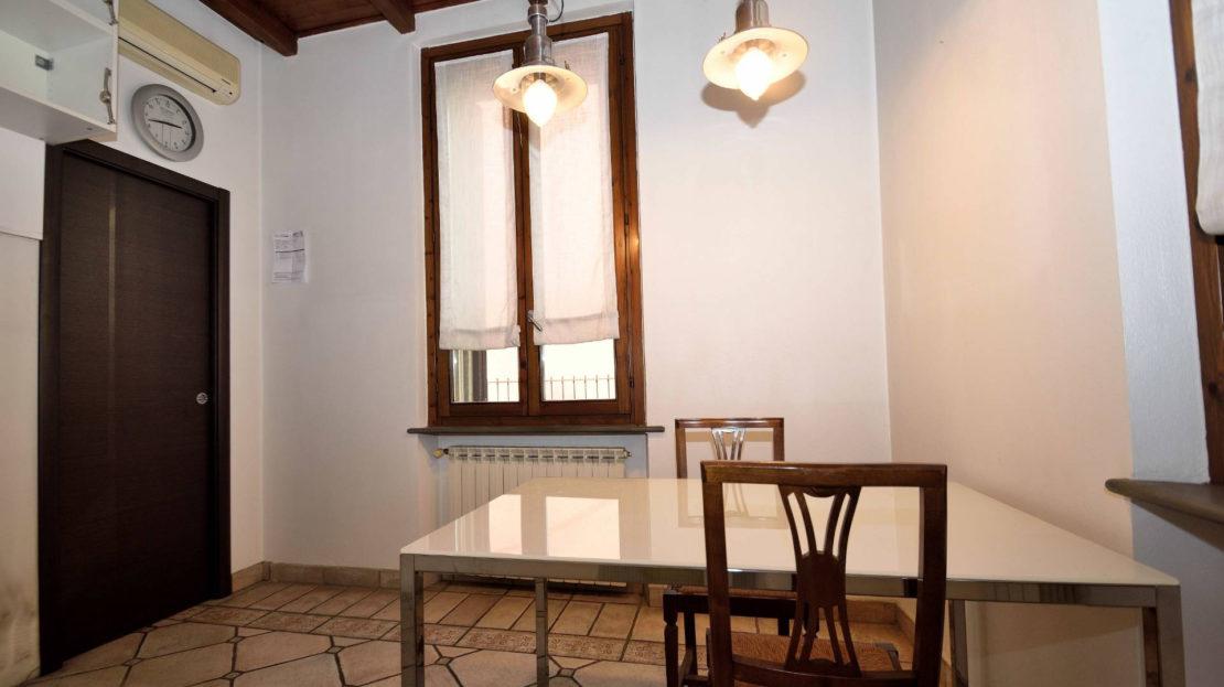 Cinque locali in vendita a Sesto San Giovanni